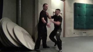 Penchak Silat & Self Défense par Hugo Tronche - Percussions expéditives