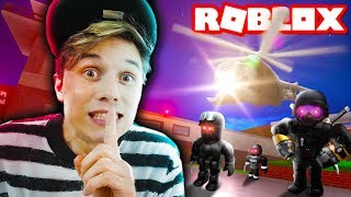 I RAN the PRISON and was CHASED by POLICE ☆ ROBLOX ☆