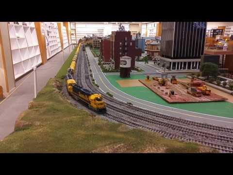 Santa Fe unit sulfur train passes downtown OKC