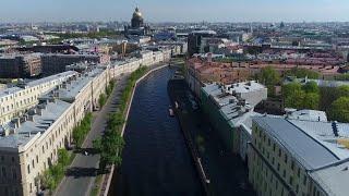 Смотреть видео Большая стройка и новые станции метро в Северной столице. онлайн