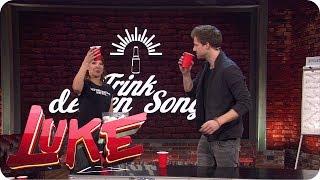Bierpong - Luke und Carolin Kebekus machen ein Trinkspiel - LUKE! Die Woche und ich