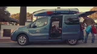 Citroën - Nuevo Citroën Berlingo - Feel Young, Feel Together(El Citroën Berlingo, renovado varias veces en sus casi dos décadas de andadura comercial, es toda una referencia entre los vehículos polivalentes. En esta ..., 2015-02-26T12:46:14.000Z)