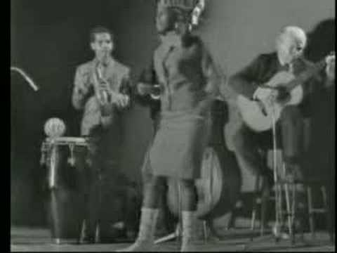 Miriam Makeba (Mama Africa) - Khawuleza 1966