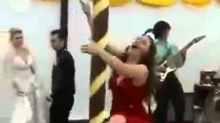 Пьяная подруга невесты испортила свадьбу