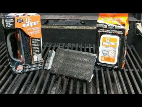 Grill Grates Cleaning Competition: Q-Swiper vs. A Wood Grill Scraper