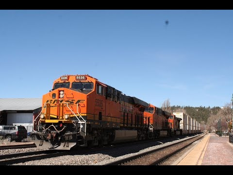 Railfaning Flagstaff, Arizona with 60 mph fast freights (400 subs)