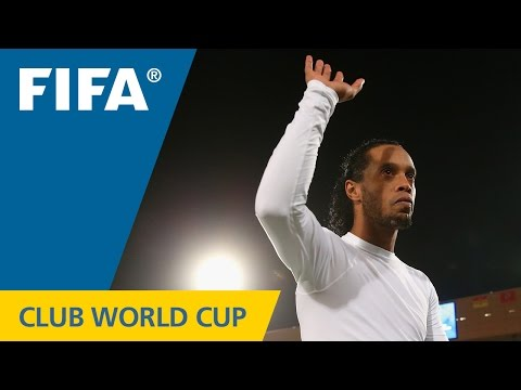 Awesome Ronaldinho goal can't stop Raja