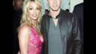 Britney Spears AnD justin Timberlake...JUSTIN SHE LOVE YOU !