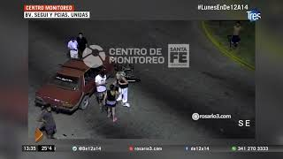 Cámara de seguridad registró choque entre una moto y un auto