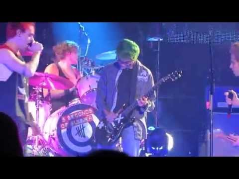 [5SOS FANS] 5 Seconds Of Summer Live Rejects at The Forum