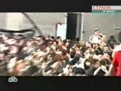 Беслан (зал). Съемка террористов. / Beslan (gym). Terrorists filming.