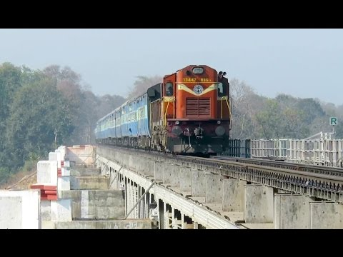 REMARKABLE INDIAN RAILWAYS : Purna - Patna Express Cruises Over Bagra Tawa Bridge with KZJ WDG3A