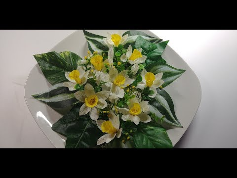 How to make a beautiful and amazing daffodil flower with crepe paper.