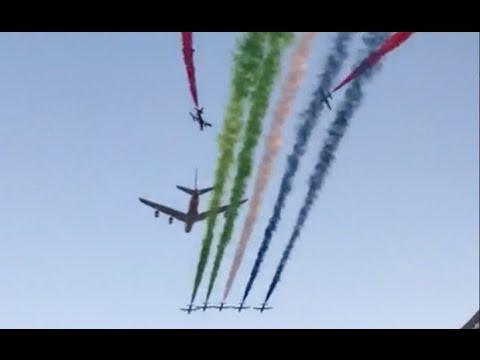 A380 de Etihad Airways y Patrulla Al Fursan en Abu Dhabi