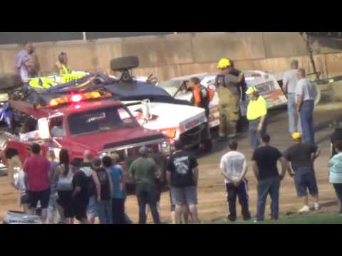 SHAWANO SPEEDWAY CRASH 17 CARS INVOLVED!