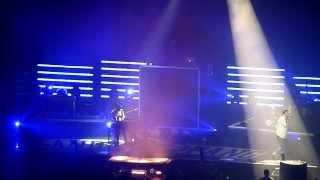 Cro feat. Teesy - Lange her & Teesy feat. Cro – SOS, Live Hamburg 21.11.14