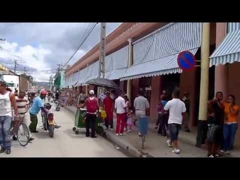Guantanamo Cuba - Caminando en el Centro