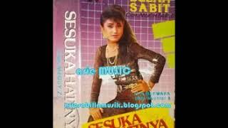 Gambar cover EVIE TAMALA - SESUKA HATINYA (1987)