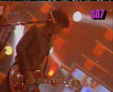 Jalan Terus--sheila on 7 (LIVE)