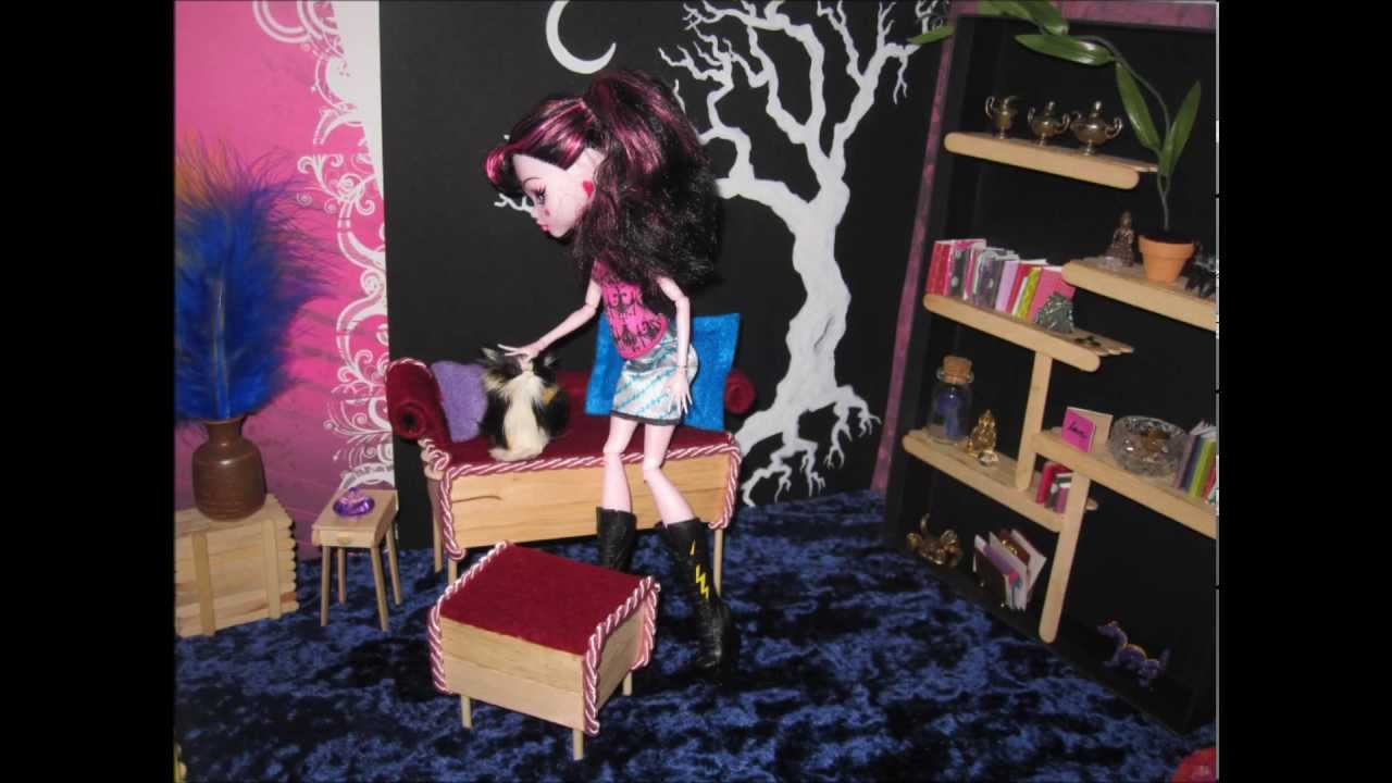 Monster High Doll Furniture   Wooden Red Bench Seat