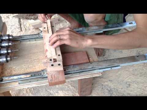 Cách làm khung cầu nuôi ong mật- Khoan lỗ cho dây thép