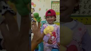 Singing The Animal Finger Song