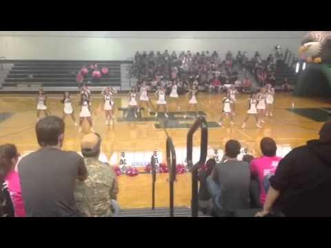 Luling High School Cheerleaders