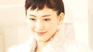 女優の綾瀬はるか(28)が16日、都内で行われた『SK-II 美肌ピテラドッ...