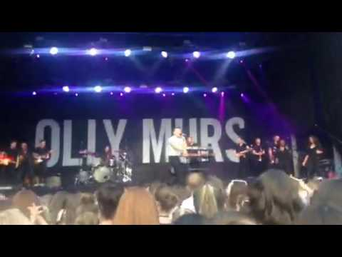 Olly Murs- Wrapped Up ( Iveagh Gardens 8/7/2017)
