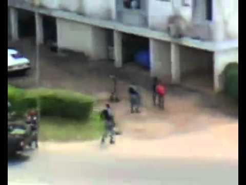 Crise post  électorale   Les exactions des soldats sur les populations civiles   Abidjan net Vidéo