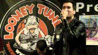 New Found Glory - Something I Call Personality (Acoustic) @ Looney Tunes) 9-22-11