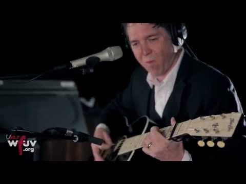 """Joe Henry - """"Lead Me On"""" (Live at WFUV)"""