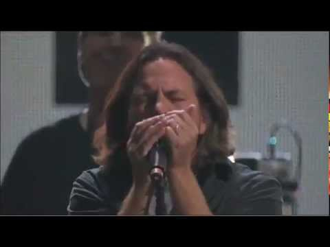 Roger Waters e Eddie Vedder - Comfortably Numb / 121212 Sandy Relief Concert