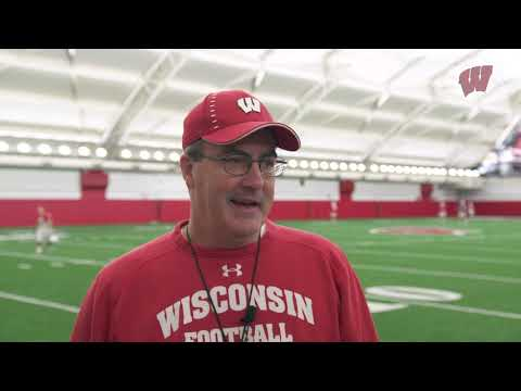 Wisconsin Badgers - Paul Chryst discusses Pinstripe Bowl prep