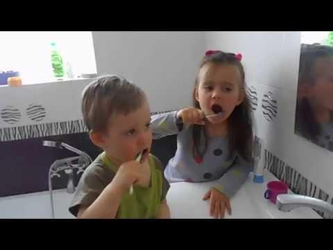 Чистим зубы правильно, чем и как чистить зубы, сколько раз