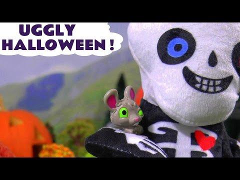 Joker and Venom Halloween Game with Paw Patrol pups catching naughty Ugglys Pet Shop pets TT4U