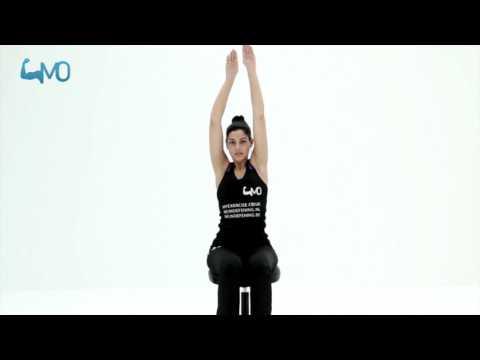Strekoefening tegen stijfheid van nek en schouder