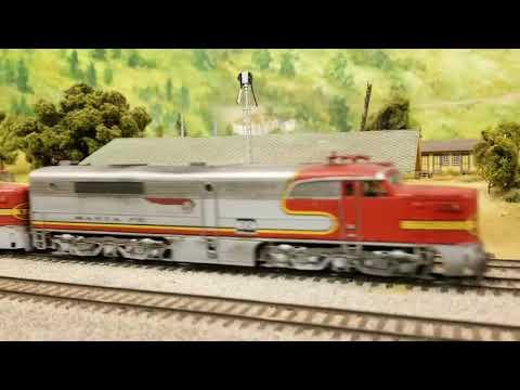 Santa Fe Mail and Express Trains - La Mesa Club