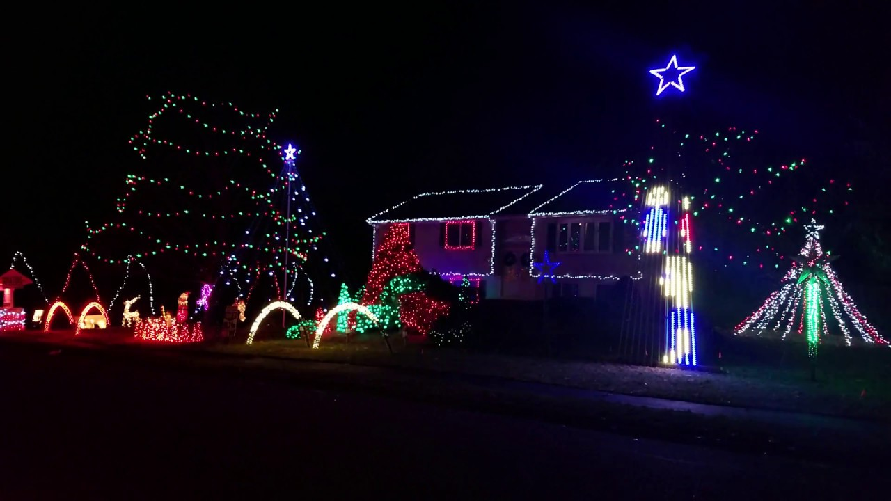 Alvin And The Chipmunks Christmas Song Light Show 2017 Billerica Ma