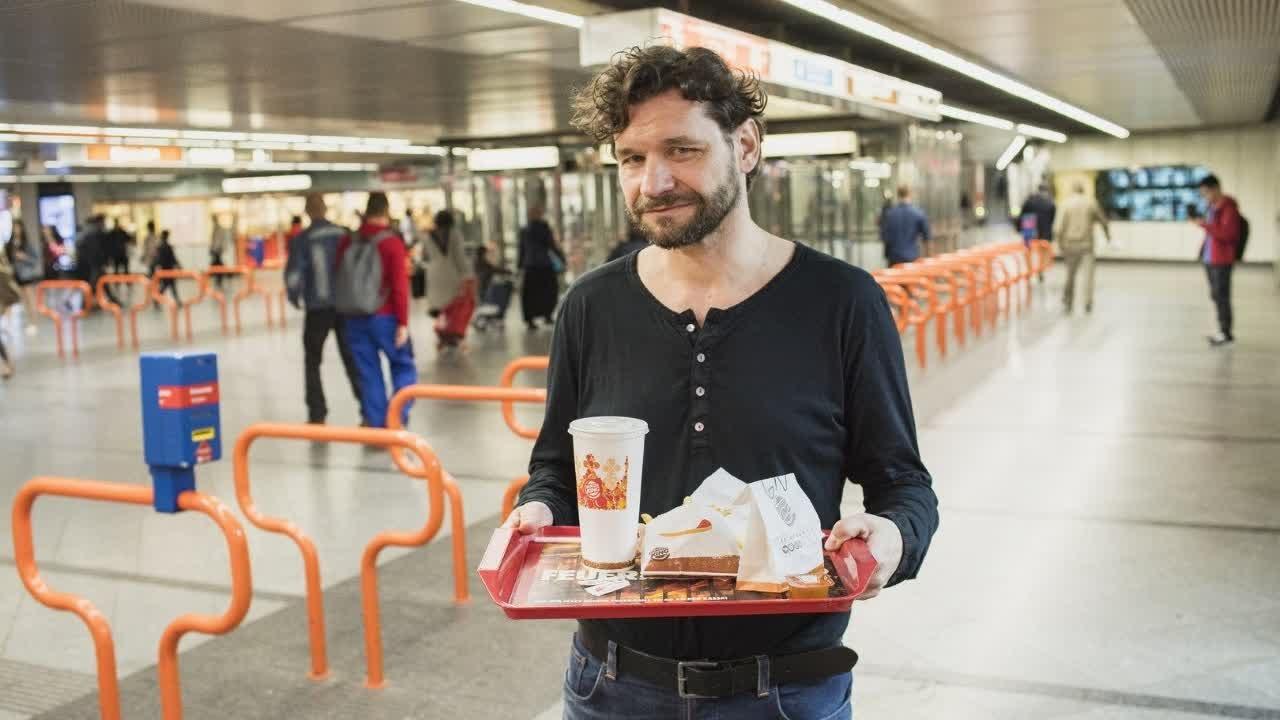 Das Heinz Oberhummer Gedenkmenü Bei Burger King Youtube