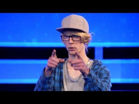 Alex scheldt jury uit na zijn auditie - IDOLS
