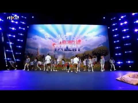 Dansgroep Reality rockt het podium - HOLLAND'S GOT TALENT