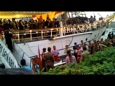 "Sail 2010 Amsterdam ""KRI DEWARUCI INDONESIA"""