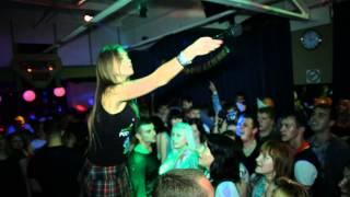 "DANCE BAR ""НЕСКУЧНЫЙ САД"" ОКСАНА ПОЧЕПА (АКУЛА) - ""А мне всё мало"" LIVE"