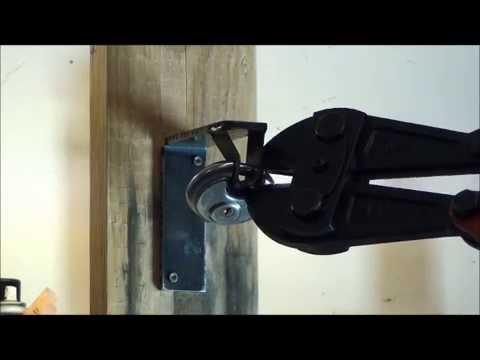 Bolt cutters vs Brinks R70 disk lock - YouTube