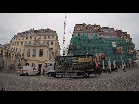 Was entsteht hier neben der Frauenkirche in Dresden?