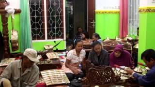 Download Video LATIHAN GAMELAN JAWA dI Kota Malang MP3 3GP MP4