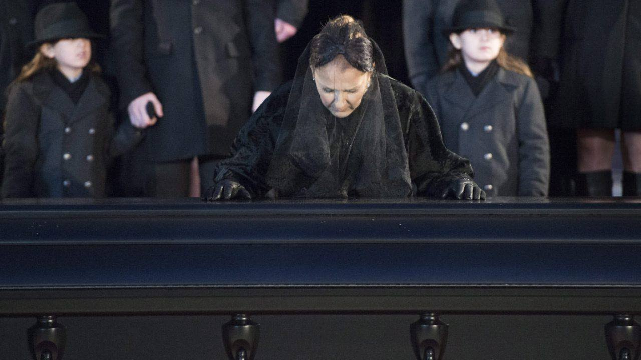 47855f196f Celine Dion attends funeral for husband Rene Angelil - YouTube