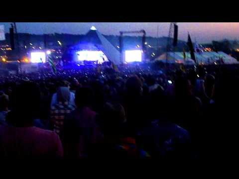 Glastonbury 2011, Beyonce - Crazy In Love (Opening)