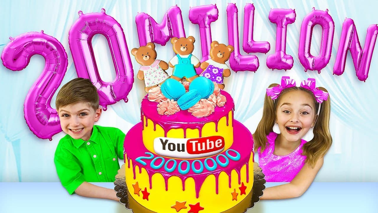 Sasha and Party 20 Million Subscribers on the Channel! Making Kinetic Sand Rainbow Cake